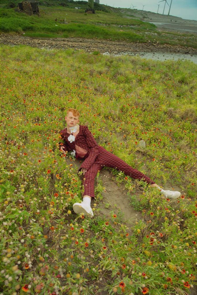 ann-yu liao, asian photographer, taiwanese artist, female photographer, redhead model, feminine masculinity, soft masculinity, pastel fashion, male editorial,   asiatische Fotografin, taiwanesische Künstlerin, Fotografin, rothaariges Model, weibliche Männlichkeit, weiche Männlichkeit, Pastellmode, 아시아 사진 작가, 대만 예술가, 여성 사진 작가, 빨간 머리 모델, 여성적 남성성, 부드러운 남성성, 파스텔 패션, 남성 사설, 아시아 패션 사진 촬영,  亚洲摄影师, 台湾艺术家, 女摄影师, 红发模特, 女性阳刚之气, 柔和的阳刚之气, 柔和的时尚, 男性社论, 亚洲时尚拍摄, азиатский фотограф, тайваньский художник, женщина-фотограф, рыжая модель, женственная мужественность, мягкая мужественность, пастельная мода, мужская редакционная статья, азиатская модная фотосессия, アジアの写真家、台湾のアーティスト、女性の写真家、赤毛のモデル、女性の男らしさ、柔らかい男らしさ、パステルファッション、男性の編集、アジアのファッションの写真撮影